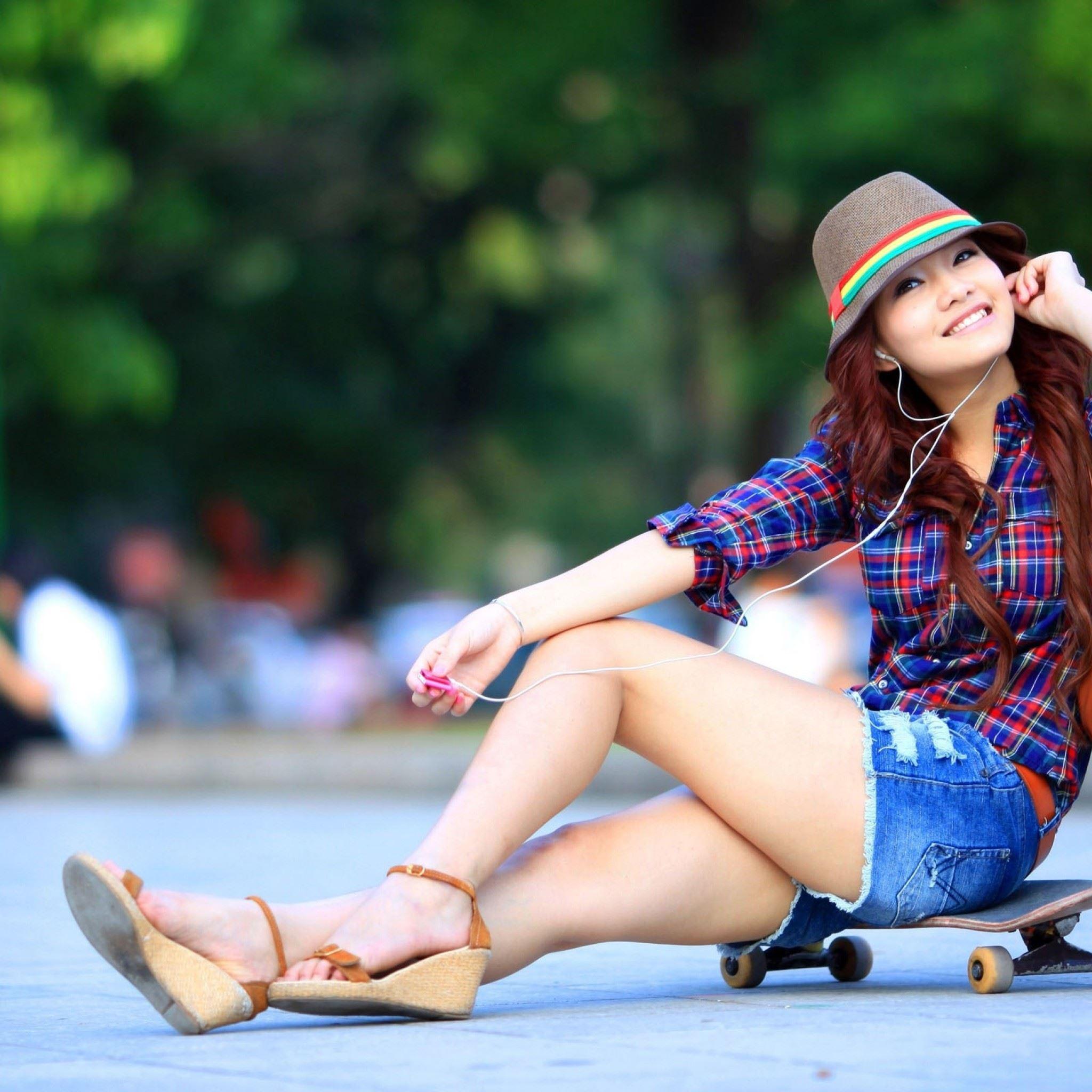 Asian Smile Girl IPad Air Wallpaper Download
