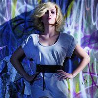 Scarlett Johansson Fashion iPad Air wallpaper