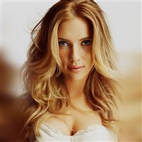 Scarlett Johansson Smile Sexy Celebrity iPad Air wallpaper