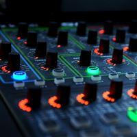 DJ Mixer Llights Controller iPad Air wallpaper