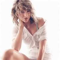 Taylor Swift White Artist iPad wallpaper