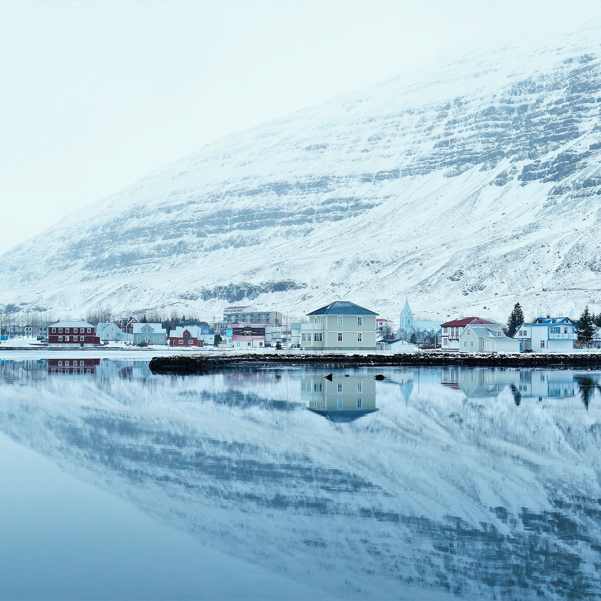 Winter Christmas Mountain Cold Lake iPad Air wallpaper