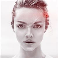 Amanda Seyfried Face Flare Celebrity iPad wallpaper