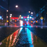 Rainy City Night iPad Air wallpaper