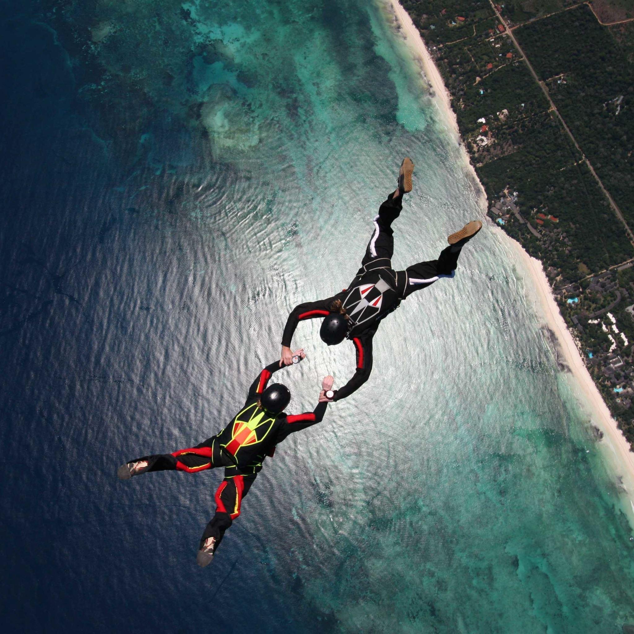 Skydivers Parachuting Stunt iPad Air wallpaper
