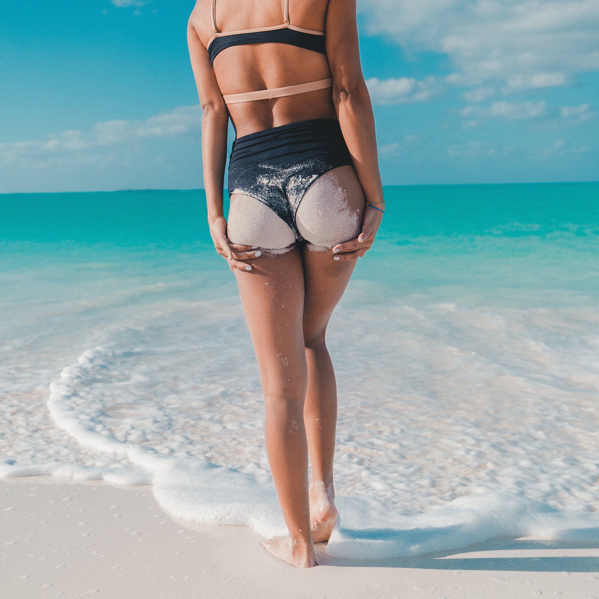 Summer beach girl vacation iPad Air wallpaper