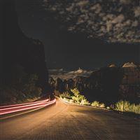 Road night car light iPad Pro wallpaper