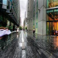 London Street Rainy Weather iPad wallpaper