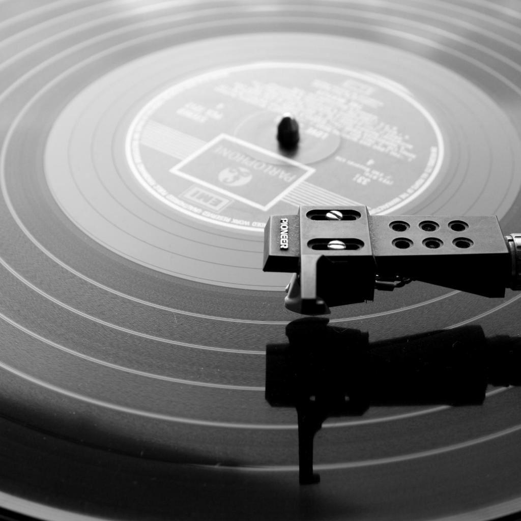 Vinyl Record iPad wallpaper