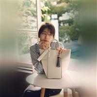 Suji Kpop Girl Flower Spring Happy iPad wallpaper