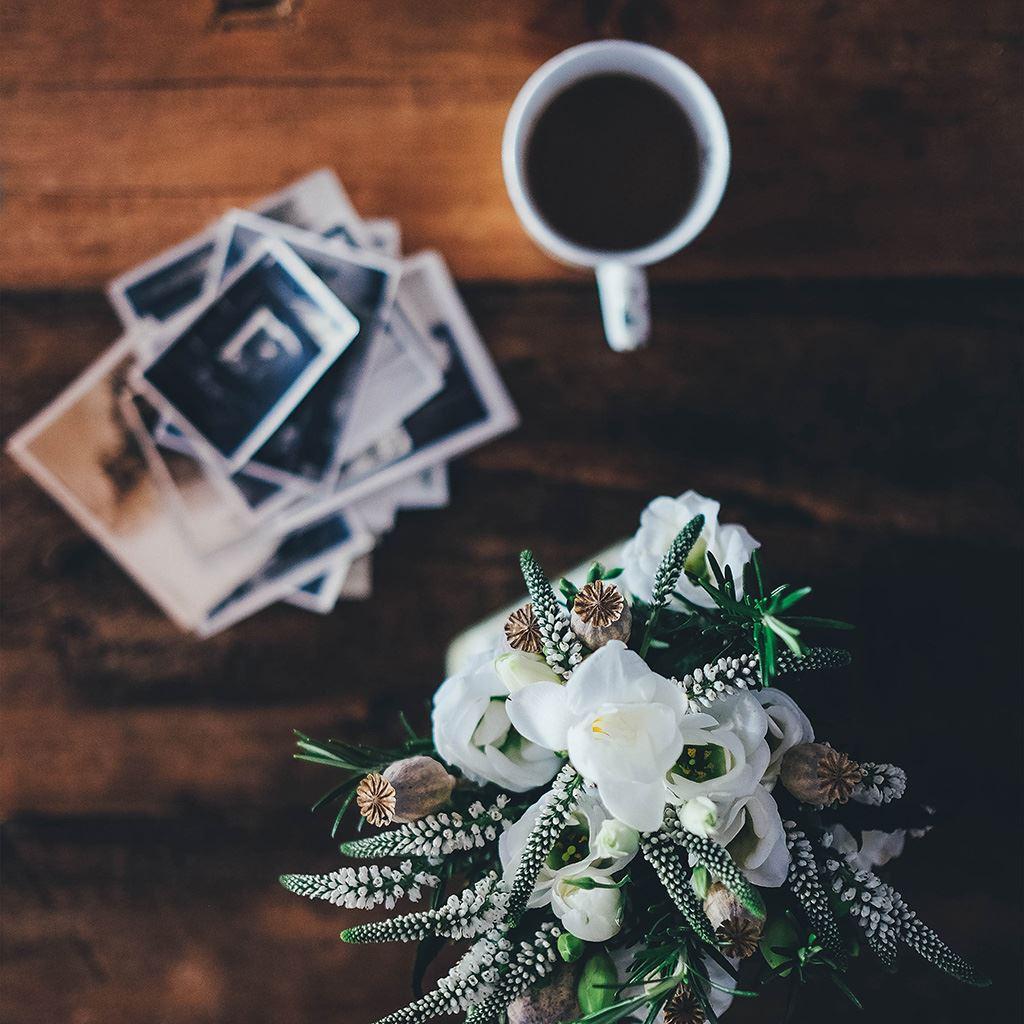 Table Flower Coffee Life Bokeh iPad wallpaper