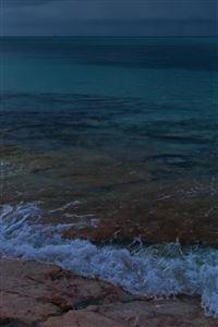 Scenic Beach Waves iPhone 4s wallpaper
