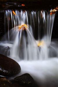 Silky Waterfall iPhone 4s wallpaper