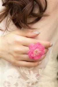Beauty White Yarn Pure Elegant Flower Ring iPhone 4s wallpaper