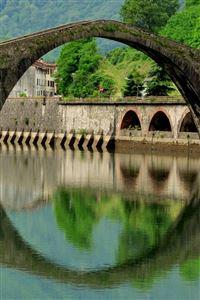 Italy  Arch Bridge iPhone 4s wallpaper