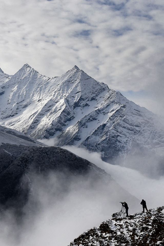 Nepal Earthquake Spark Avalanche Mountain iPhone 4s wallpaper