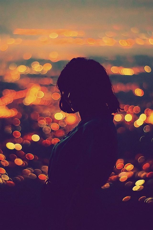 Bokeh girl night iPhone 4s wallpaper