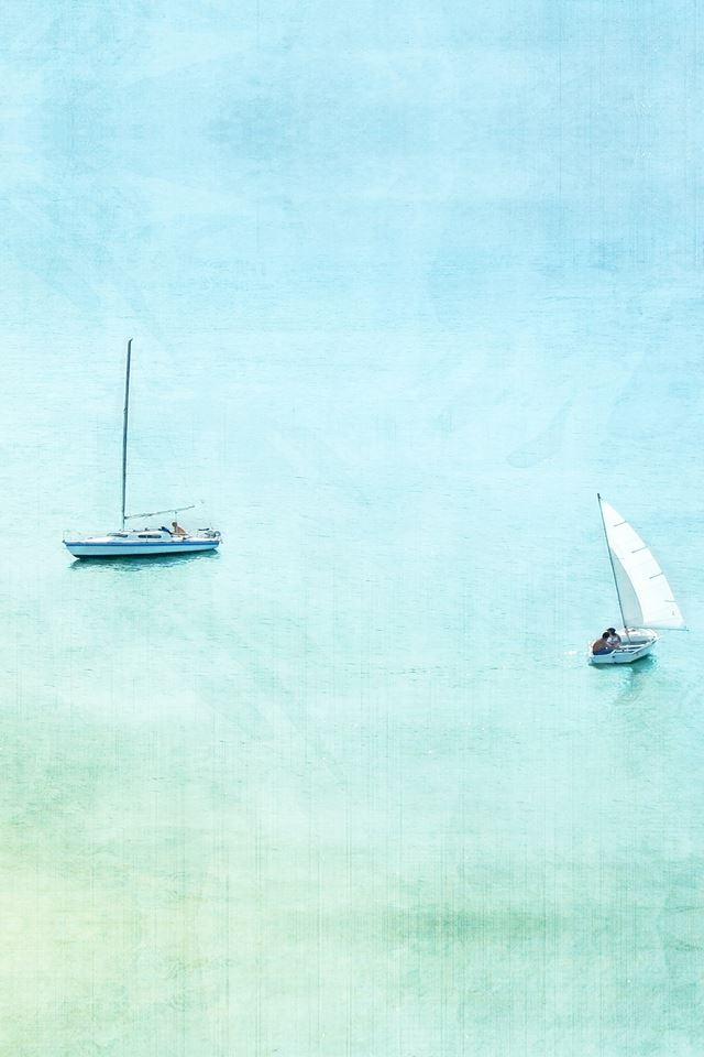 Sea boat lake day fun iPhone 4s wallpaper