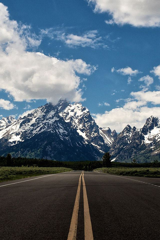 Snow mountain highway iPhone 4s wallpaper