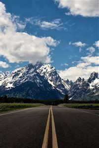 Snow mountain highway iPhone 4s wallpaper