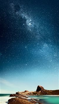 Shiny Milky Outer Space Over Sea iPhone 6(s)~8(s) wallpaper