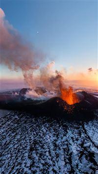 Active Volcano iPhone 8 wallpaper