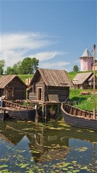 Suzdal Vladimir Region River Stove Kremlin Tower City Estate Boats Wooden House iPhone 8 wallpaper