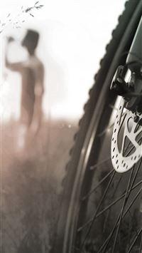 Macro Bike Wheel iPhone 8 wallpaper