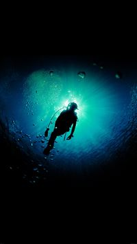 Deep Blue Green Ocean Dive iPhone 8 wallpaper
