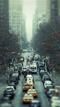 Traffic road cars city iPhone 8 wallpaper