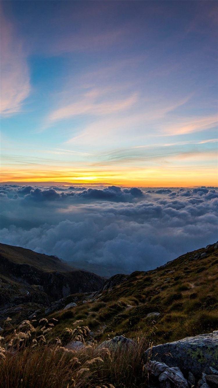 Mountain cloud sunset sky iPhone 8 wallpaper