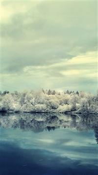Winter snow lake reflection hoarfrost iPhone 8 wallpaper
