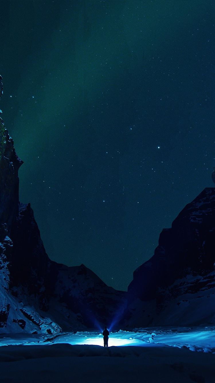 Winter dark night mountain iPhone 8 wallpaper