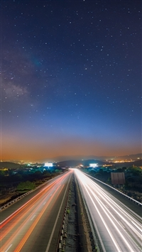 Starry sky night road traffic iPhone 8 wallpaper