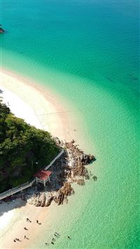 Sea vacation island iPhone 8 wallpaper