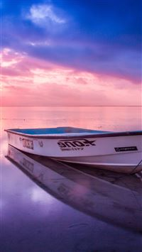 Sea beach boat alone sunset iPhone 8 wallpaper