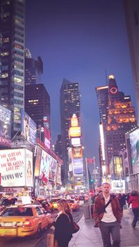 The night street iPhone 8 wallpaper