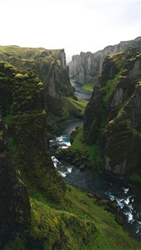 The Canyon too Hard to Pronounce iPhone 6(s)~8(s) wallpaper
