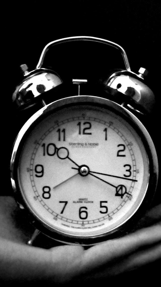Old Clock Black And White IPhone Se Wallpaper