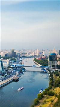 Cityscape river iPhone se wallpaper
