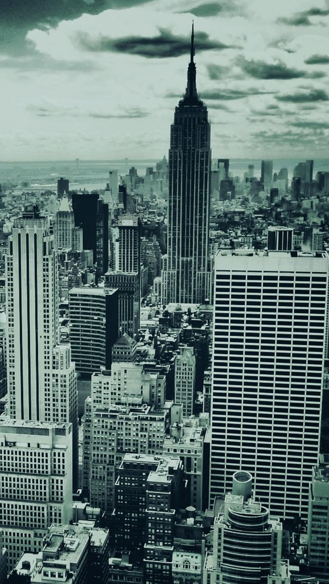 Black And White New York IPhone Se Wallpaper