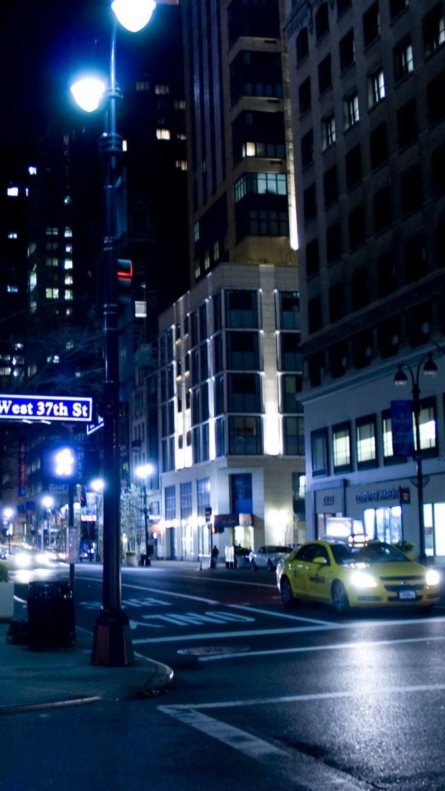 City Street Night IPhone Se Wallpaper