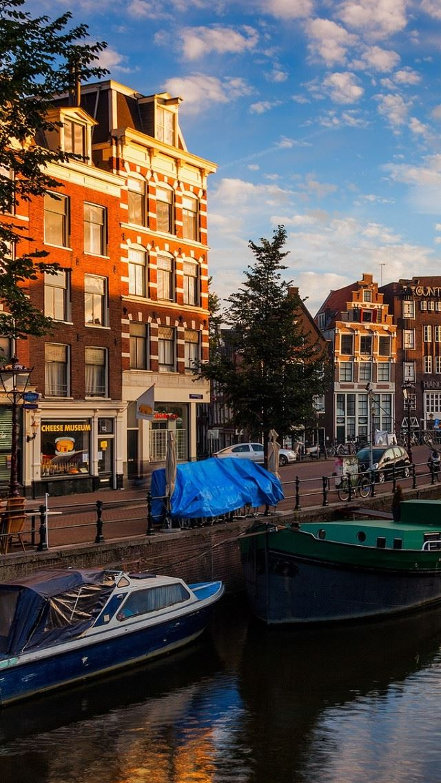 Morning In Amsterdam IPhone Se Wallpaper