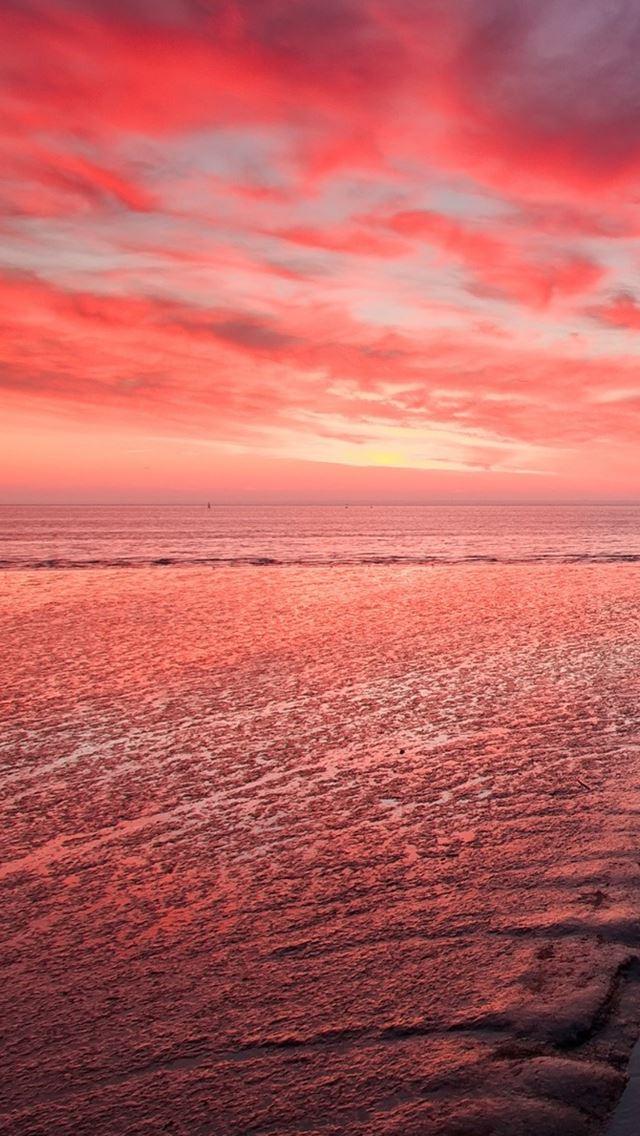 Sunset Glow IPhone Se Wallpaper