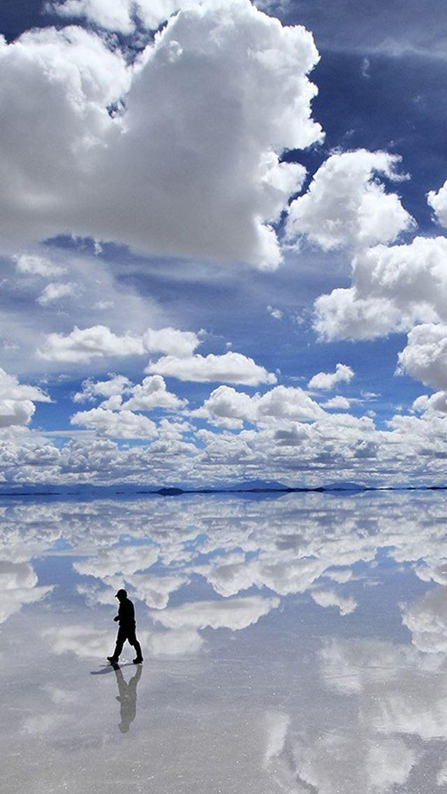 Sea Mirror Clouds Skyscape IPhone Se Wallpaper Download