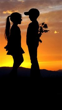 Mountain Top Cute Lovely Kids Silhouette Romantic Scene iPhone se wallpaper