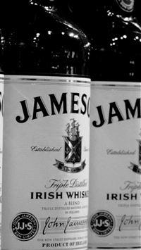 Whiskey Jameson Black White Bottle iPhone se wallpaper
