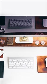 Apple Devices Desk iPhone se wallpaper