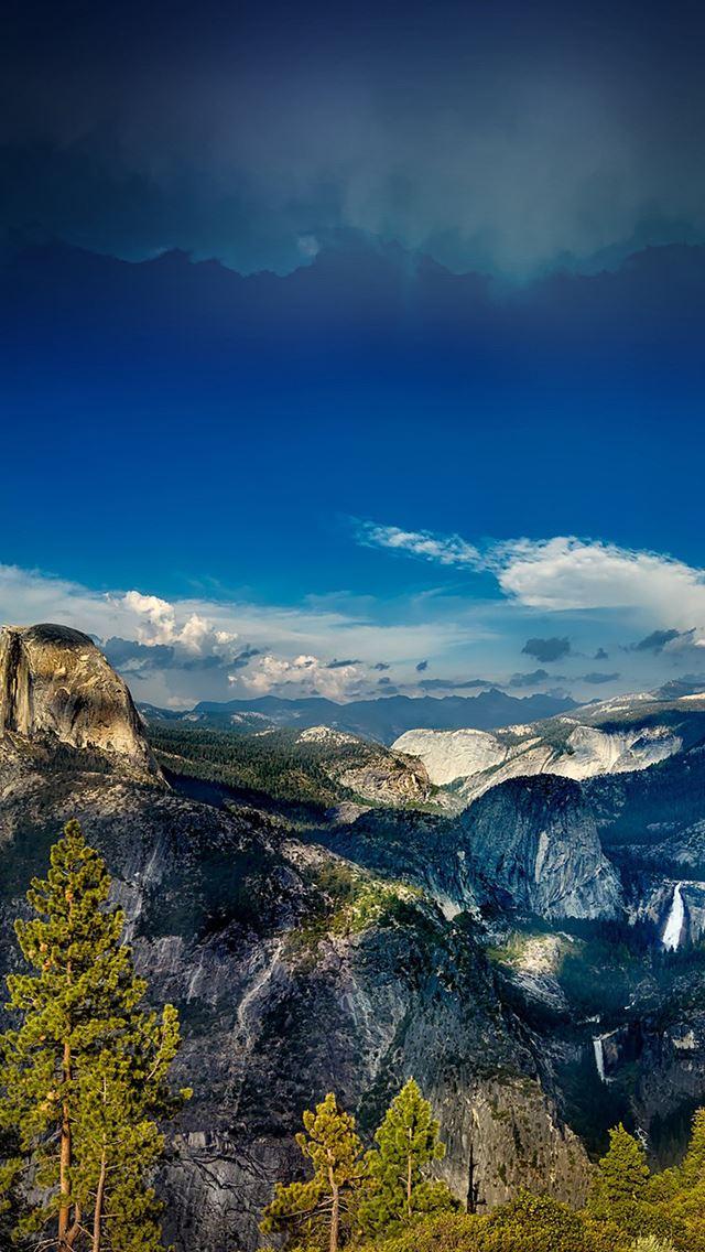 Mountain tree sky iPhone se wallpaper