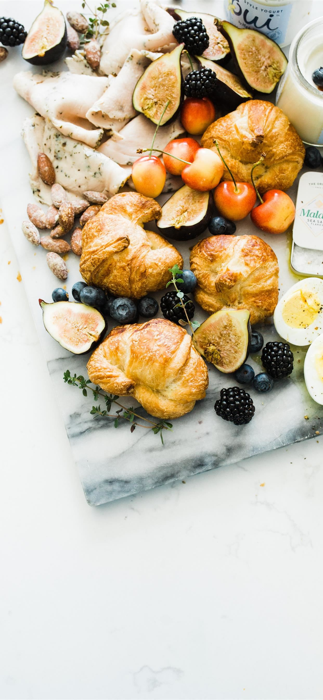 Summer Breakfast Platter iPhone se wallpaper